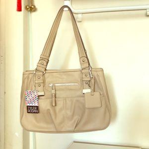 Bag shoulders